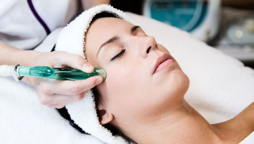 Facial Cupping: what is face cupping and how does it work?