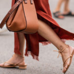 Square sandals: this is the new summer trend