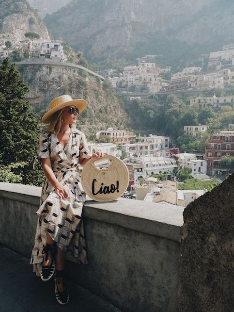 The straw bag: here's how to combine it