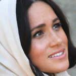 Meghan Markle in South Africa, passionate kiss to Harry and veil in the head