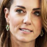 Kate Middleton enchants in green: an unusual gesture of love for William