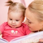 Moms, read a story to your children: 6 reasons to do it