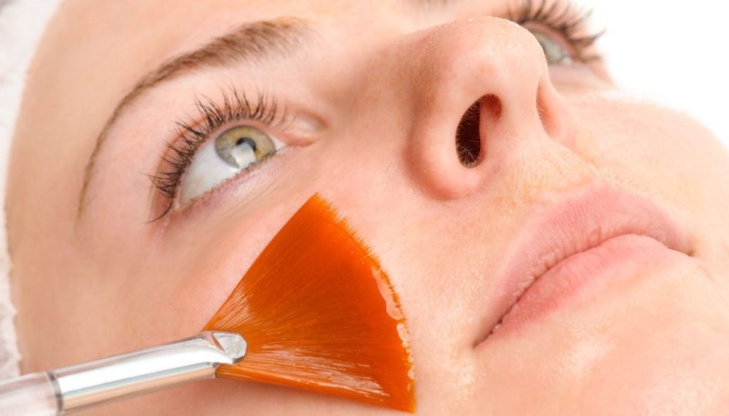 Retinol for the face: what it is and how it works against wrinkles