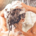 Greasy hair: causes, care and remedies