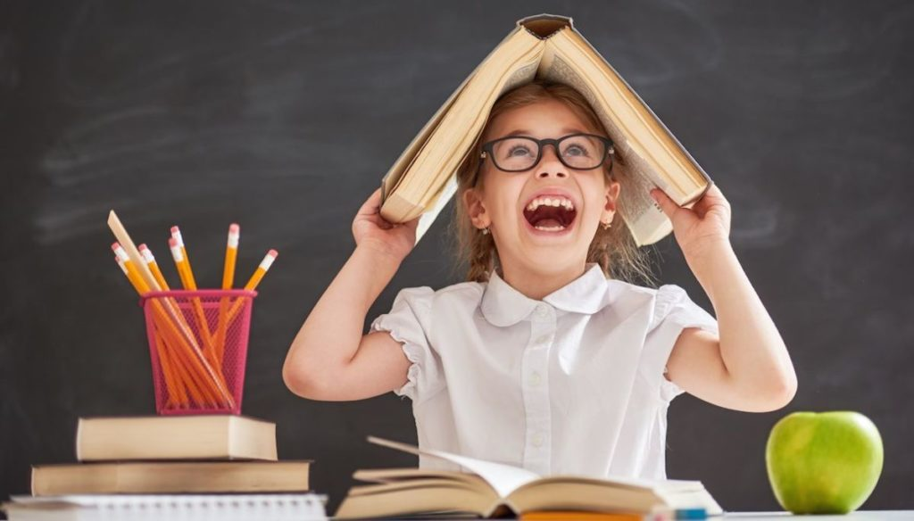 Back to school: what should not be missing in your kids' backpack