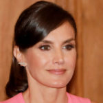 Letizia of Spain, gaffes in public. But she is splendid with the dress of Melania Trump