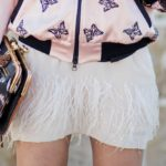 How to wear feathers: let's prepare for this trend!
