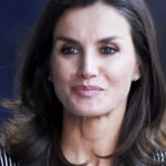 Letizia of Spain dares with the recycled optical dress and is a success
