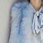 Azzurro: all the secrets to wear it in style even in winter