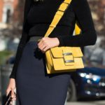 The postman bag: a classic chic