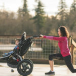 Mothers in shape after giving birth: 5 exercises to give energy to the body