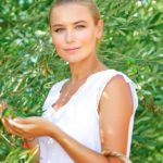 Healthy skin and hair with Olive Leaf Infusion products, even in summer