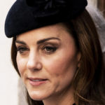 Kate Middleton impeccable with the Queen. And a suspicious belly appears