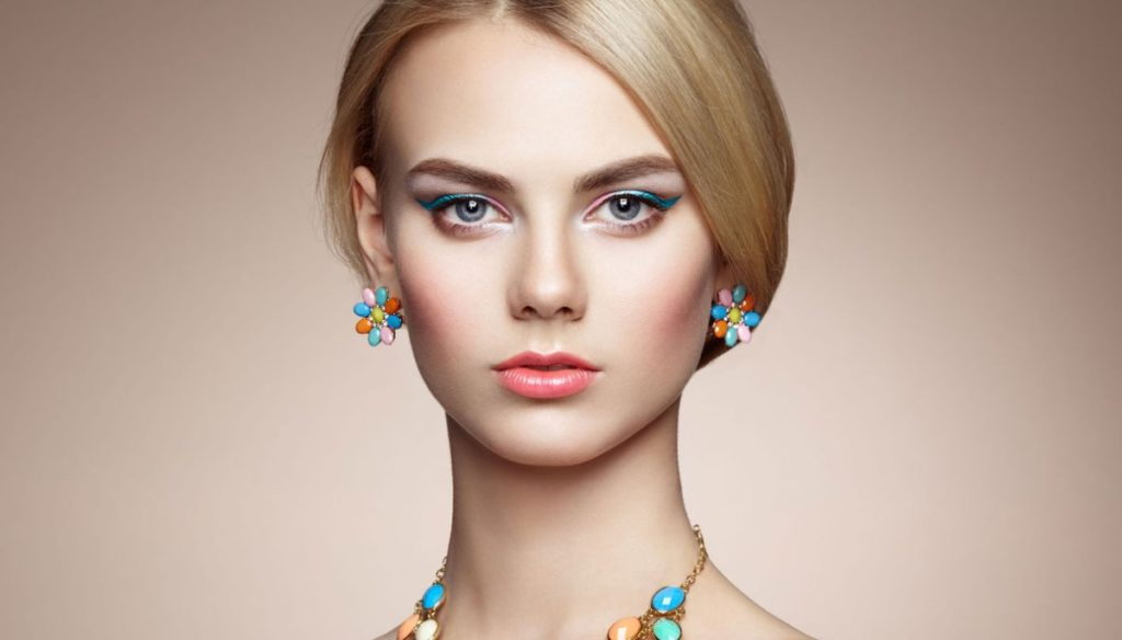 Make up: tips for those with blonde hair