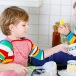 Children and housework: 7 tricks to entice them