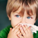 Colds in children: washings with saline solution, the most effective remedy