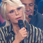Friends Celebrities, good the first. De Filippi wins between tears and laughter