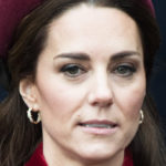 Kate Middleton, William leaves her alone at birthday. Mystery on the maternity coat