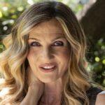 La Vita in Diretta, Lorella Cuccarini sings a song by Heather Parisi