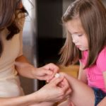 Small injuries: here is the first aid kit for children that you should always have at home