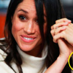 What hides the mysterious bracelet of Meghan Markle?