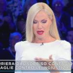 Federica Panicucci, debut in white in Mattino Cinque. And tears for Nadia Toffa