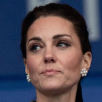 Kate Middleton, tribute to the victims: a look of mourning and a contrite face