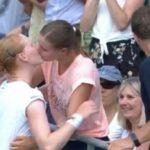 Alison Van Uytvanck's kiss to Wimbledon's girlfriend against fear