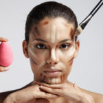 Contouring: vices and virtues of the technique of the moment