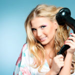 How to dry your hair: tips for having a flowing hair