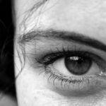 Bags and dark circles: the best remedy is natural
