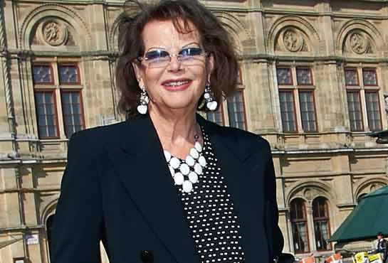 Claudia Cardinale against the current: beautiful anyway, without a half face lift