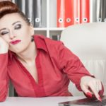 Do you tend to postpone the most boring activities? Here are 3 strategies to avoid it