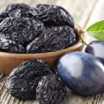 The diet of the 10 plums: what to eat to lose weight fast