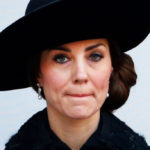 Kate Middleton at Remembrance Day: black look and worn face. Is pregnant?