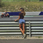 Belen Rodriguez in Austria for Andrea Iannone: Shorts in the pits on social networks