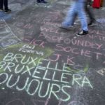 Brussels attacks, messages of peace on the asphalt