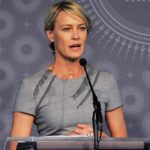 """House of Cards, Robin Wright: """"I want to be paid as Kevin Spacey"""""""