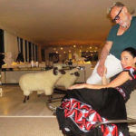 #acasadi Gianluca Vacchi, the new Miami home between luxury and sheep in the living room