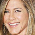 Aniston's revenge: two twins at 46