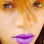 Rihanna filmed while sniffing cocaine