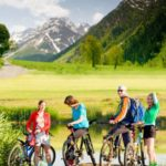 Tips for protecting yourself from the sun in the mountains and not getting burned