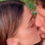 Belen and De Martino: the first (passionate) kiss arrives on Instagram