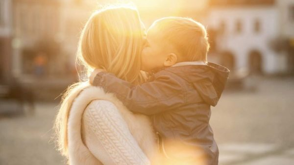 To my mother who raised me alone amid a thousand difficulties