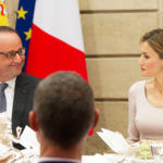 Hollande marries Gayet (perhaps). But he has eyes only for Letizia