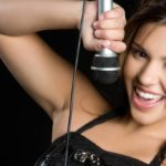 Silvia Olari, singer: biography and curiosity