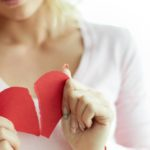 """They call it """"broken heart syndrome"""". What it is and what causes it"""
