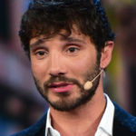 De Martino returns to TV: he leaves Belen at home and moves to Naples