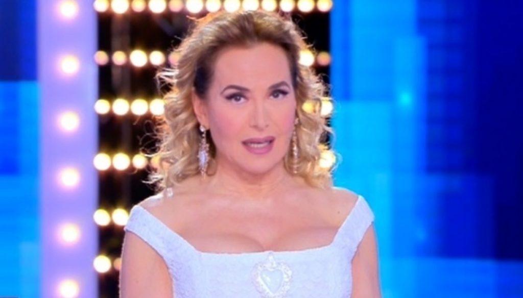 Live, D'Urso invites Lecciso but thanks to Onestini also conquers Spain