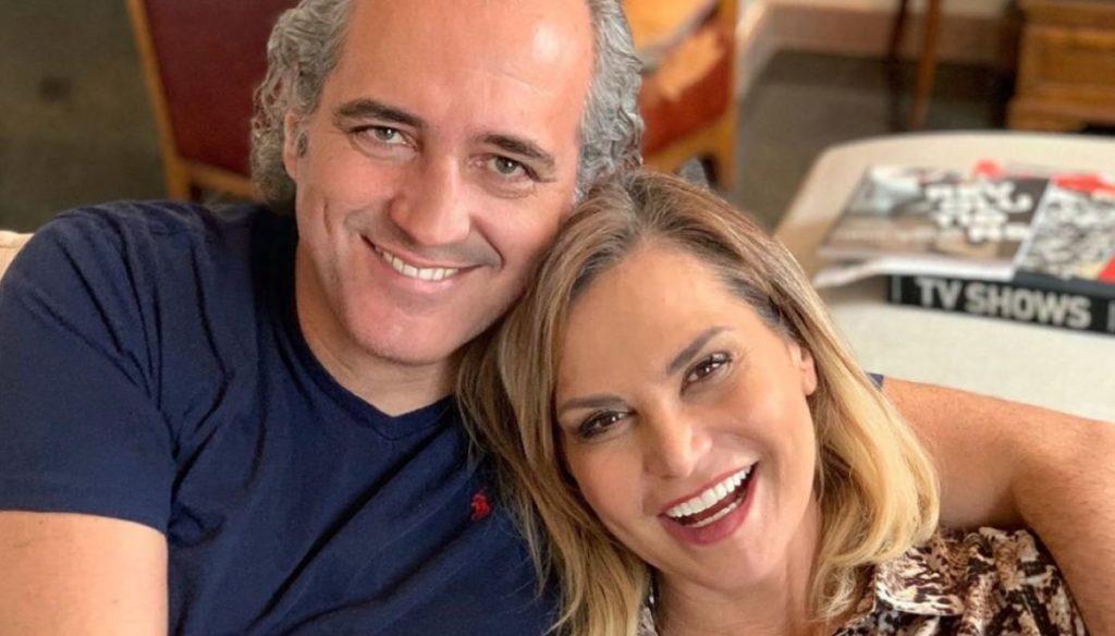 Simona Ventura postpones the wedding with Giovanni Terzi. And prepare a couple program